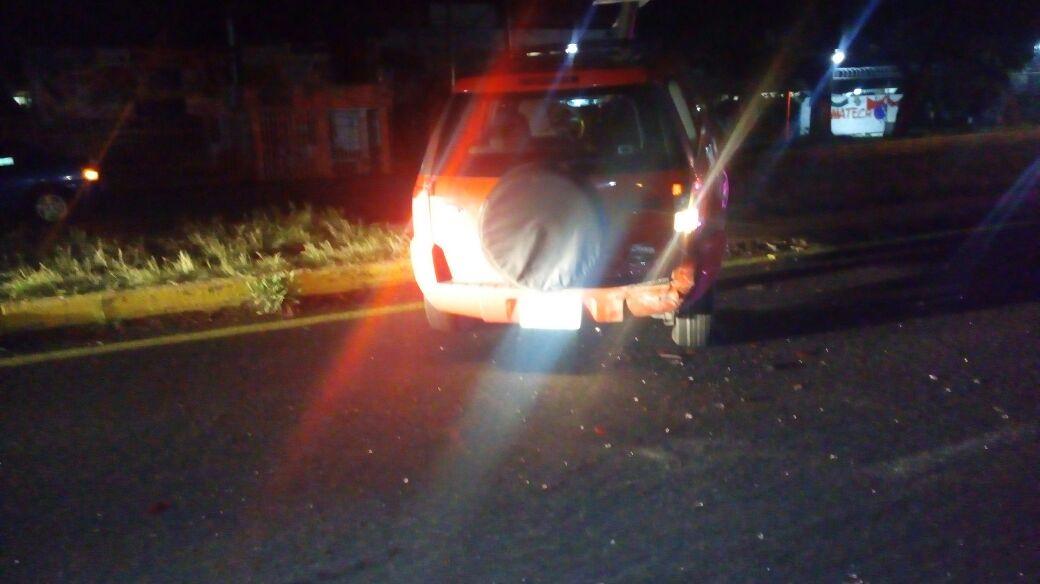Chocan dos automóviles la noche del 15 de septiembre