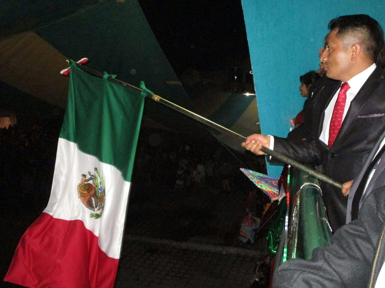 Oscar Pérez Rojas Conmemora en Quilehtla 207 aniversario de la Independencia