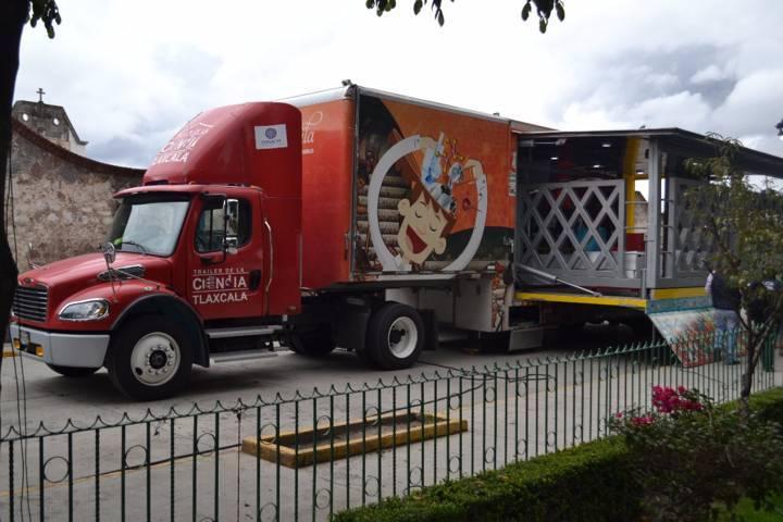 Tráiler de la Ciencia y Tecnología llega a Tlaltelulco