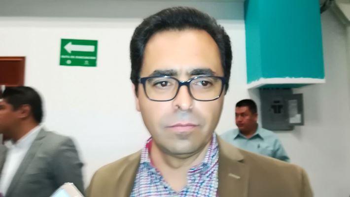 Presión social por bullying en Apizaco dobla a secretario de Educación