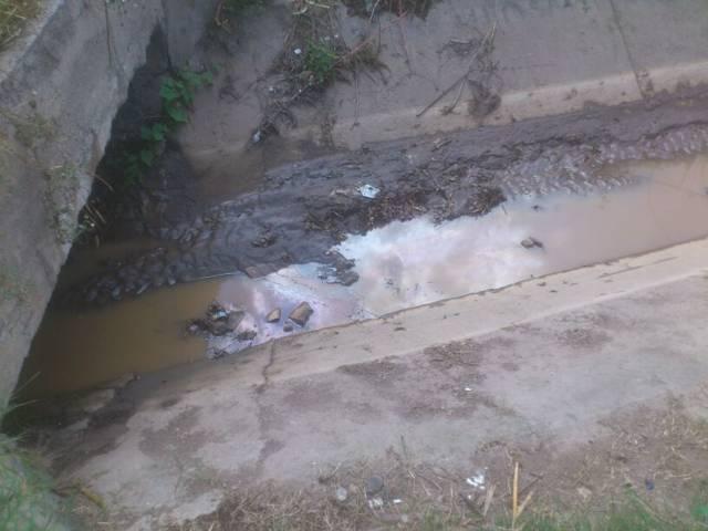 PC Lardizábal se mantiene en alerta por residuos de diésel detectados en canal San Lucas