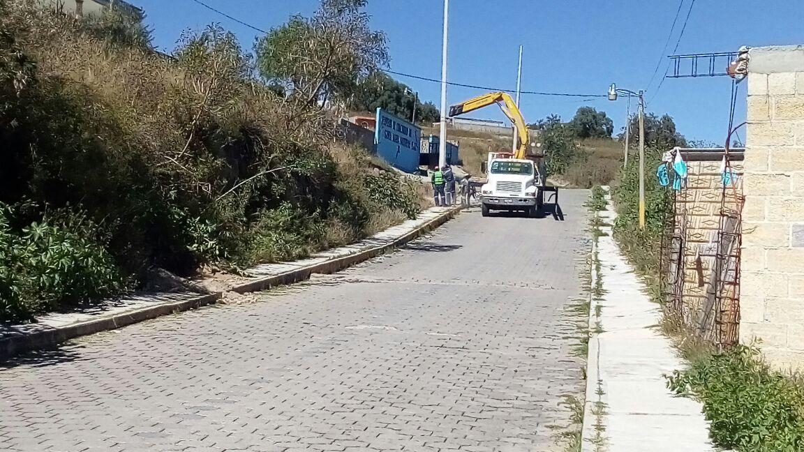 Alcalde pone en marcha trabajos de electrificación en Bugambilias y Caracoles