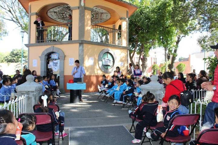 Reunió Apetatitlán más de 500 personas en su primer Feria del Libro