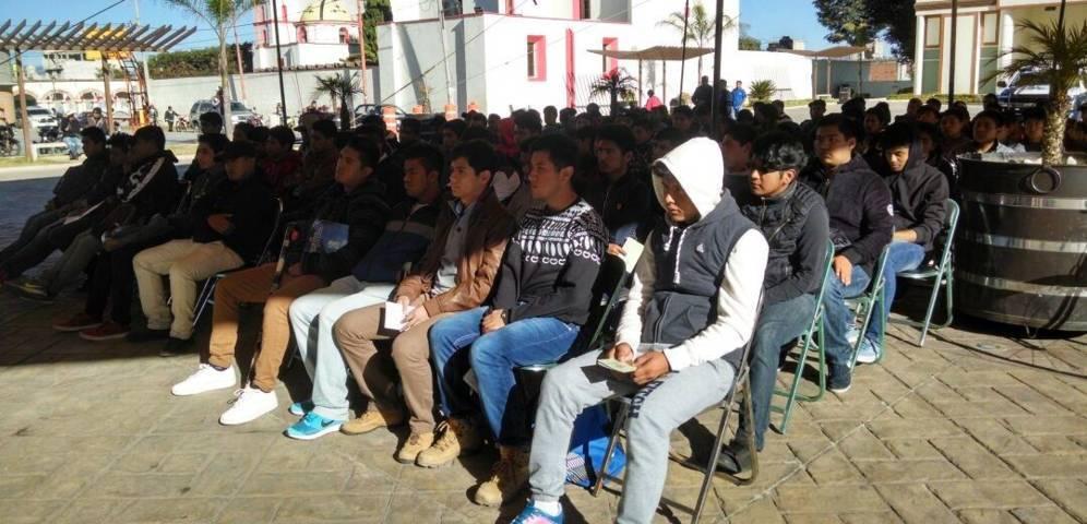 Jóvenes de Lardizábal presentes en Sorteo Militar