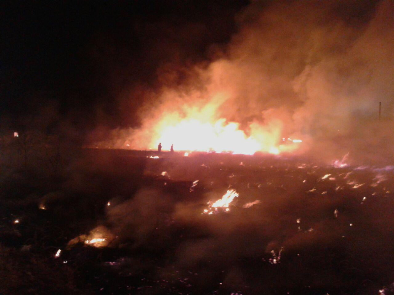 Se registra aparatoso incendio en pastizales de Acuitlapilco