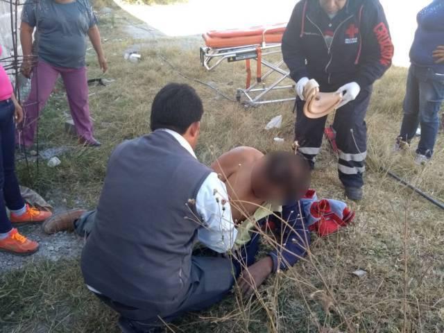 Trabajador de la construcción cae de la azotea; sufrió lesiones