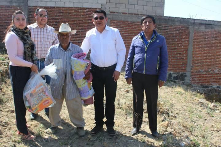 Valencia Muñoz apapacha a los grupos vulnerables en esta temporada de fríos