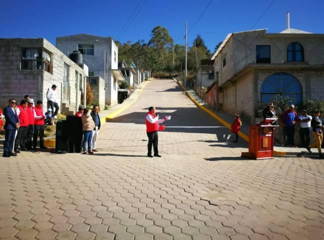 Alcalde mejorando la imagen urbana de la calle Allende de Ecatepec