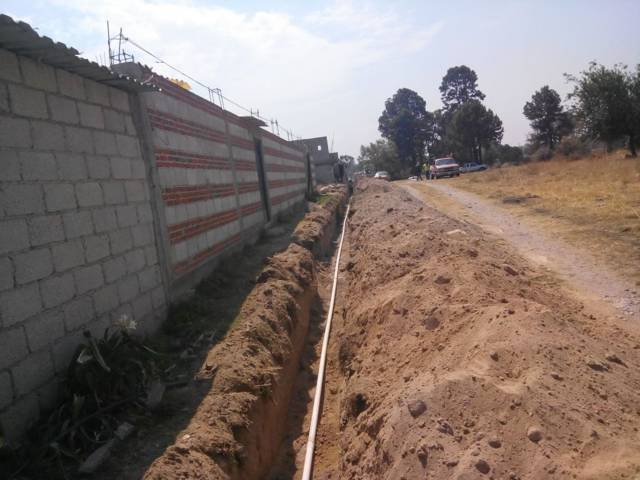 Autoridades de Papalotla amplían servicio de agua potable en Xaltonac