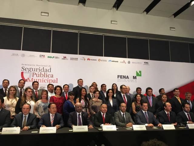Toma protesta Anabell Ávalos como secretaria general del Consejo Directivo de la Fenamm