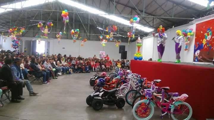Cientos de niños de Nanacamilpa disfrutaron su día con sorpresas y alegría