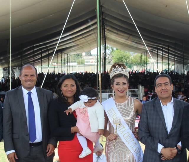 """Con bodas masivas y coronación de """"Natalia I"""", inicia feria Santa Cruz Tlaxcala"""