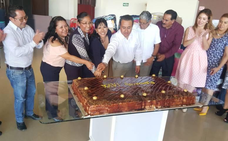 """Reconoce ayuntamiento de Tlaxcala labor de los trabajadores del sindicato """"7 de Mayo"""""""