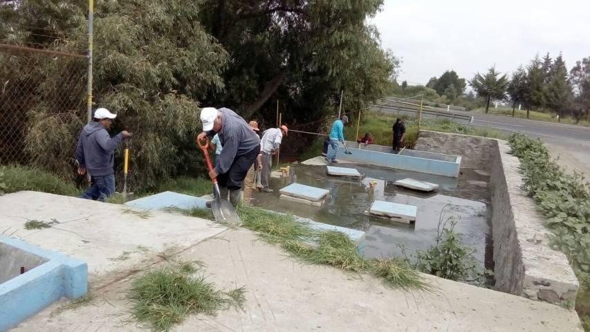 Servicios Municipales realizan mantenimiento preventivo en fosas del municipio