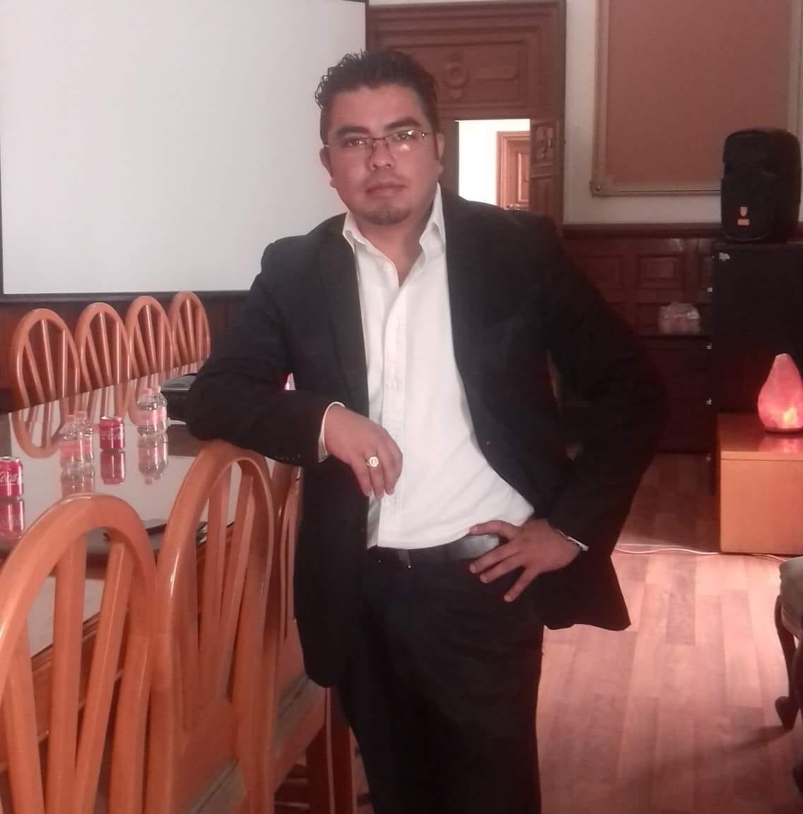 Representante distrital de Morena, acusado de fraude