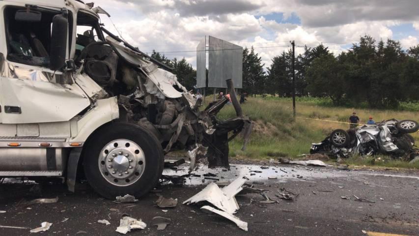 Carambola deja varios muertos en carretera Cuapiaxtla- Tequexquitla