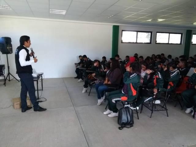 """PGR Tlaxcala participa con el tema """"Farmacodependencia"""" en Xaloztoc"""