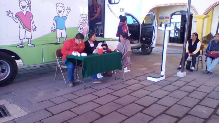 DIF lleva móvil de servicios de salud en San Isidro Buen Suceso municipio de SPM