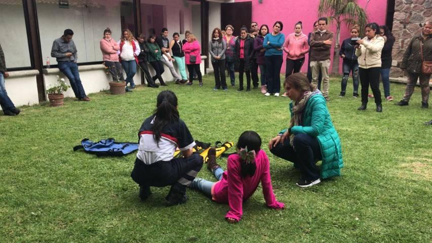 Capacitan a responsables de estacias infantiles en primeros auxilios