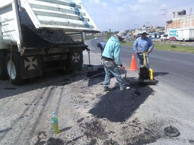 Autoridades de Papalotla bachean calle Insurgentes