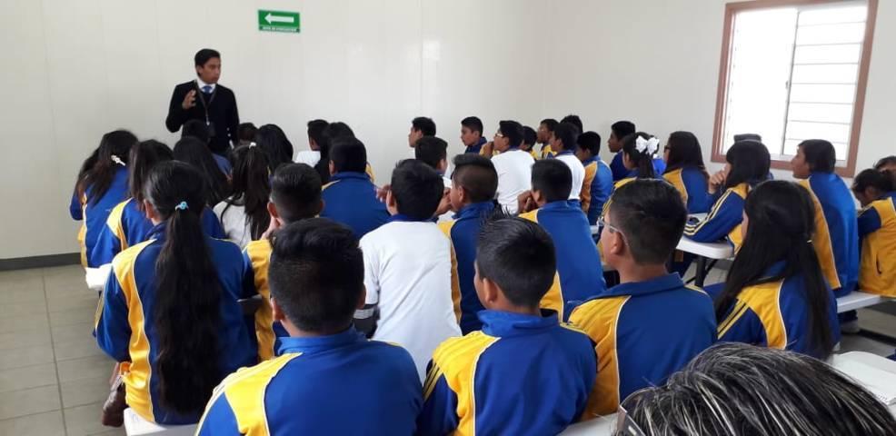 PGR imparte pláticas a jóvenes sobre farmacodependencia y delitos federales