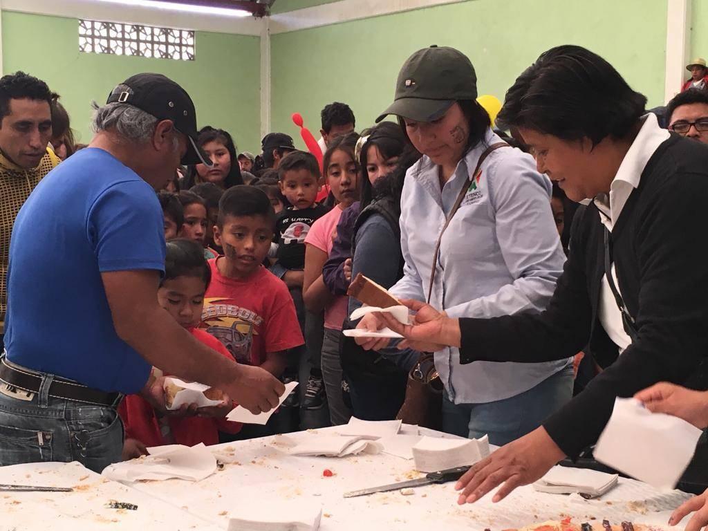 Más de mil infantes disfrutaron del día de Reyes en Ixtenco