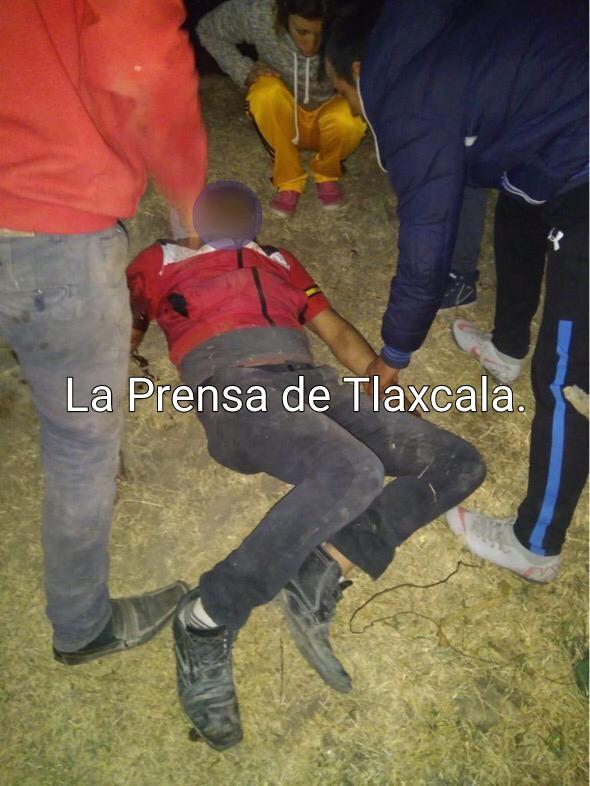 Ejecutan a un albañil de un balazo en la cabeza y lesionan a su hermano en Tetla