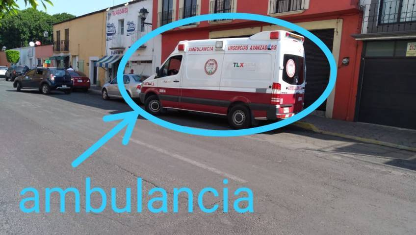 Utilizan ambulancias para repartir los desayunos