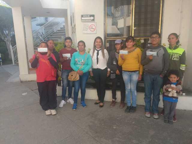 Infantes de Tepetitla de Lardizábal recibieron estímulos económicos de parte del SEDIF