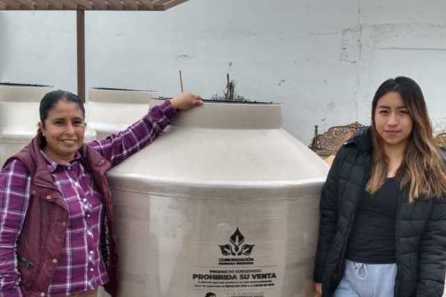 15 familias de Lardizábal recibieron tinacos rotoplas