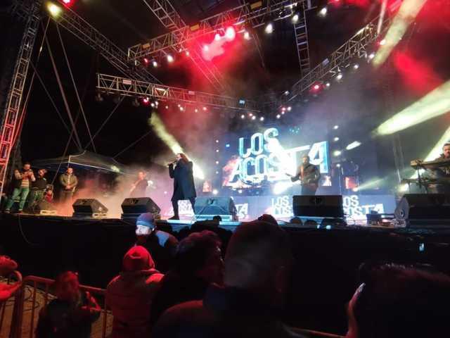 Éxito total la presentación de Los Acosta en la Feria de Zacatelco