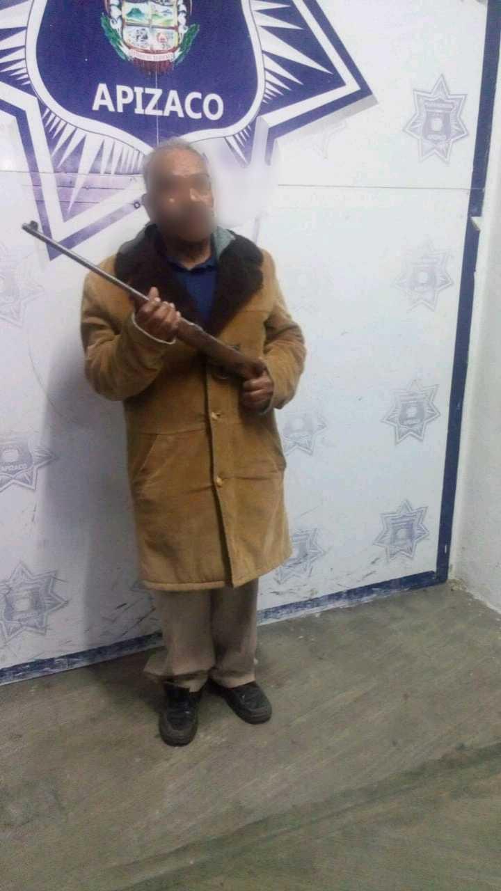 Aseguran a adulto mayor en posesión ilegal de un arma de fuego en Apizaco