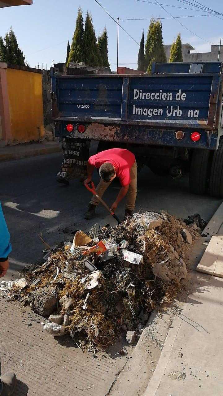 Realizan labores de limpieza en Calzada Apizaquito y Hogares Ferrocarrileros en Apizaco