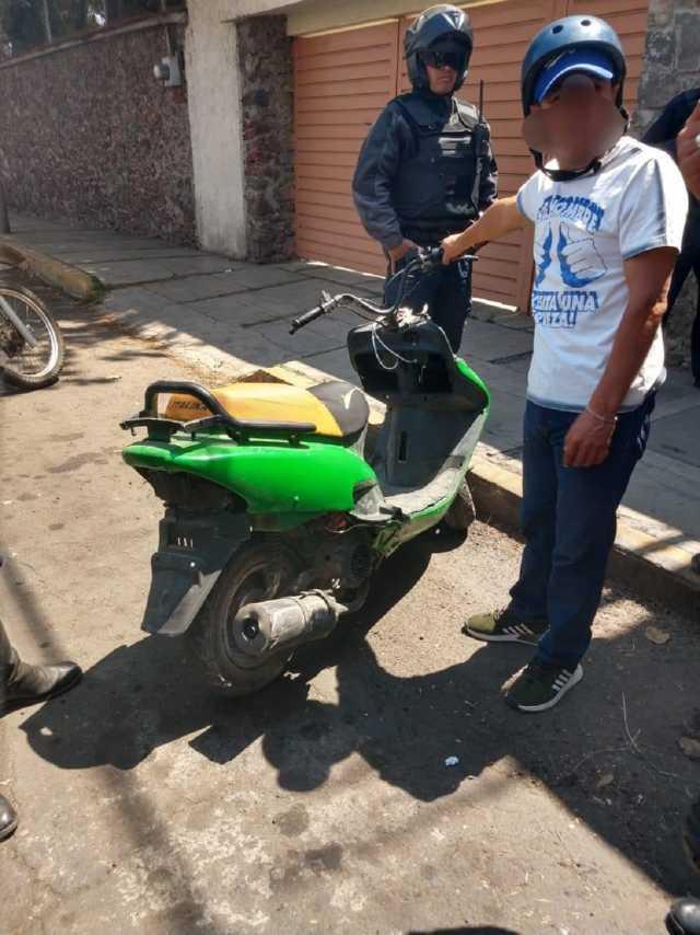 Ayuntamiento de Apizaco exhorta a no usar vehículos sin placas de circulación