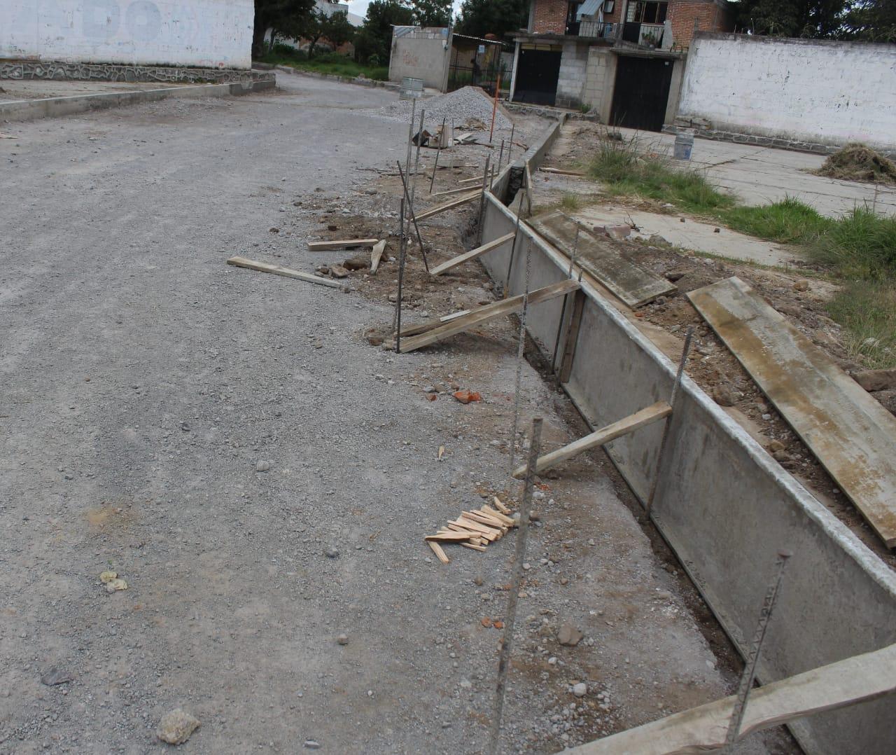 A 70 por ciento avance para terminar la pavimentación de Calle Manuel Ávila Camacho