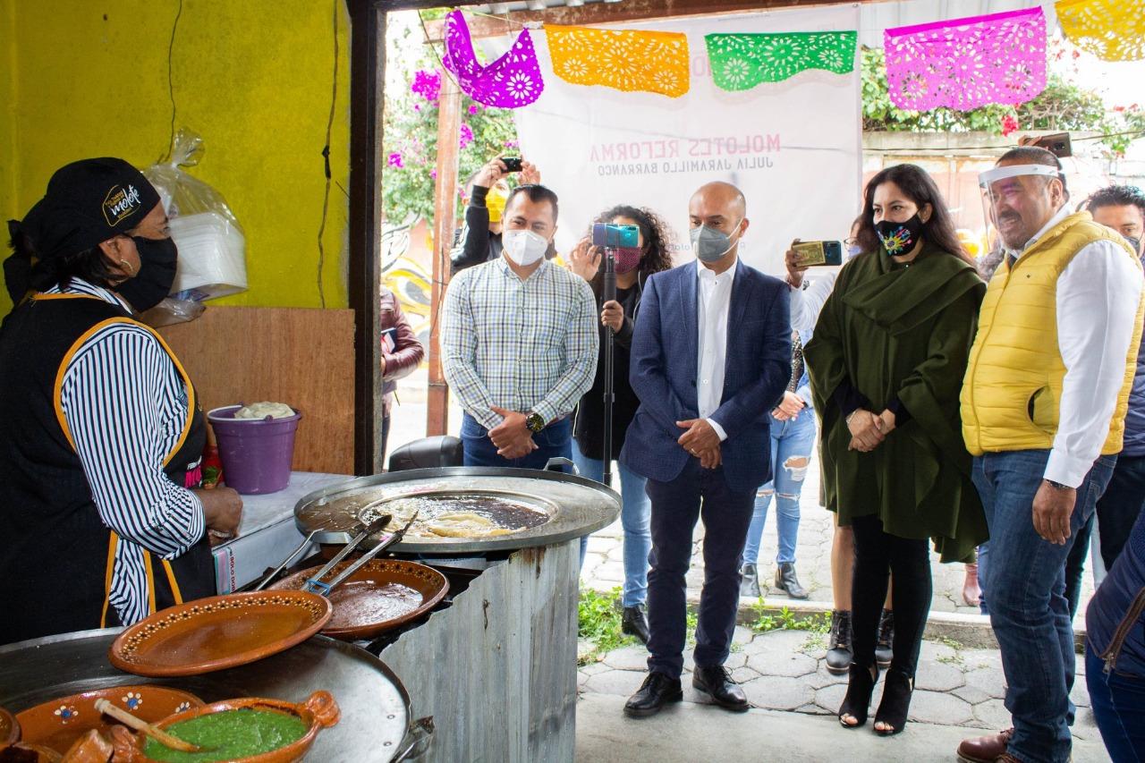 José Isabel encabezó el recorrido inaugural de la Ruta del Molote en Xicohtzinco