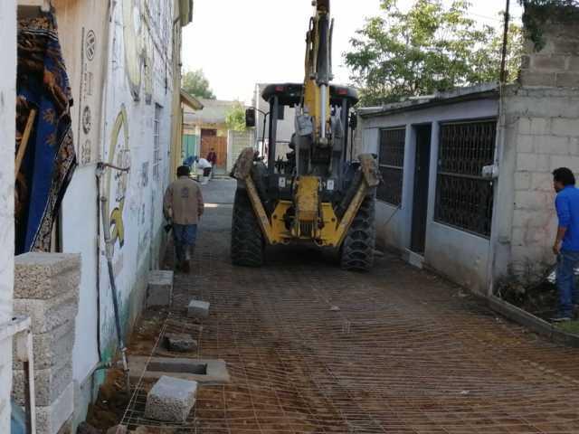 Oscar Murias apuntala obras comunitarias a beneficio de los ciudadanos