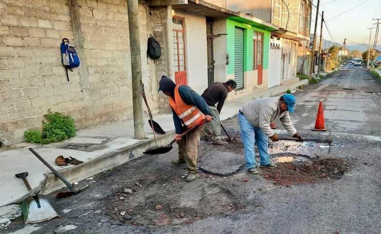 En Tetla se benefician ciudadanos con escrituras a bajo costo