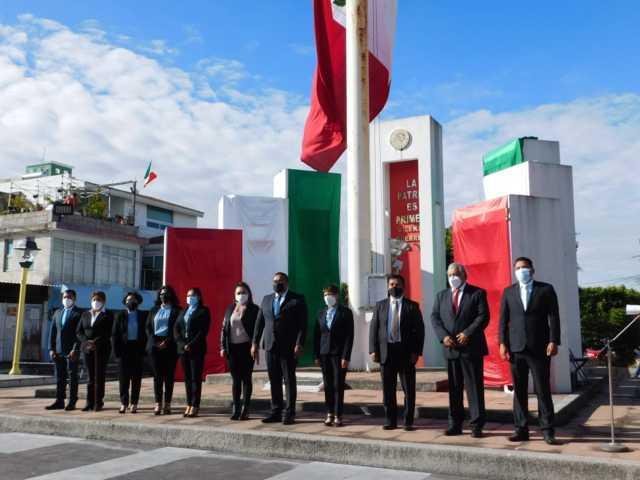 Badillo Jaramillo conmemoró el 210 aniversario de la Independencia de México