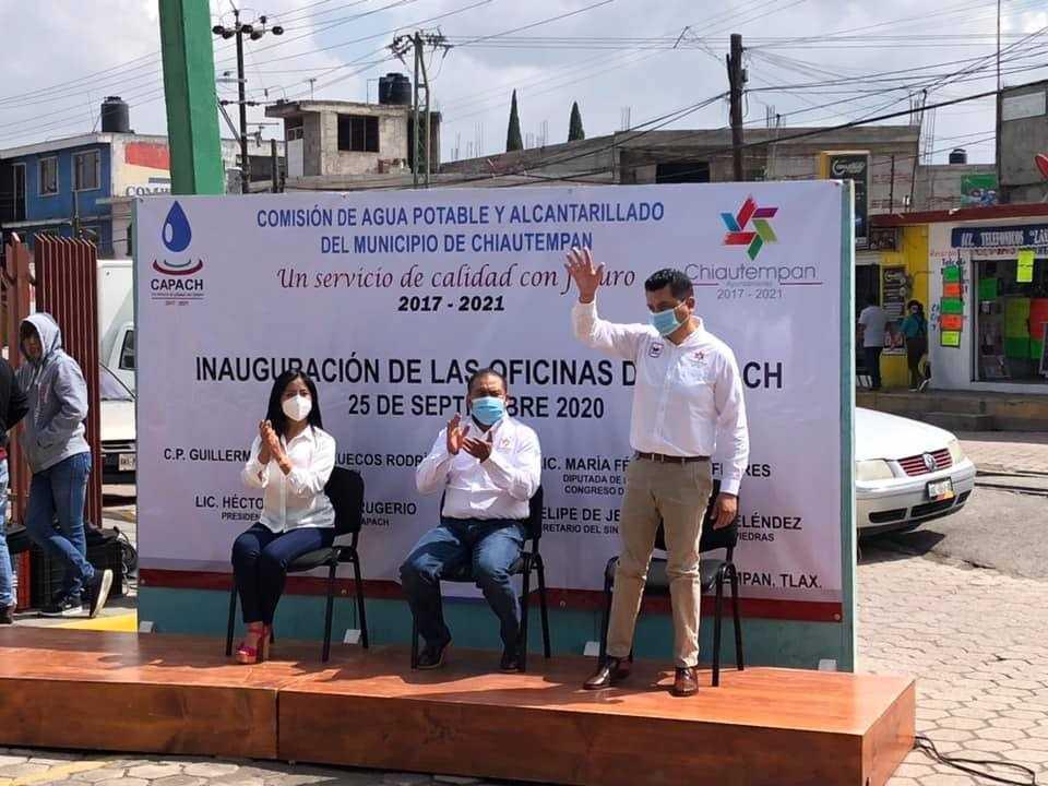 Héctor y Juan Berruecos inauguran nuevas oficinas de la Capach en Chiautempan