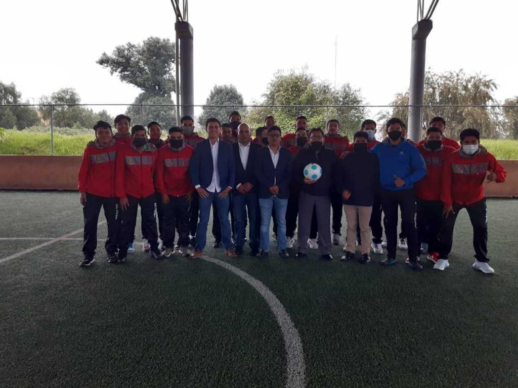 Bajo medidas contra el Covid aperturan torneo de fútbol en Totolac