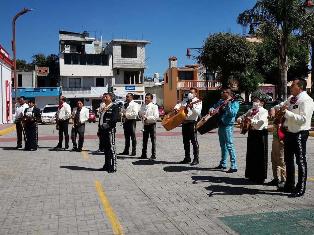 Grupos de mariachis agradecen la solidaridad del Ayuntamiento de Papalotla