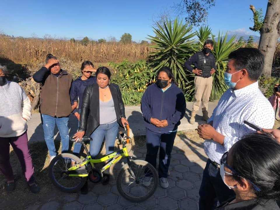Oscar Murias entrega segunda ampliación de electrificación en Michac