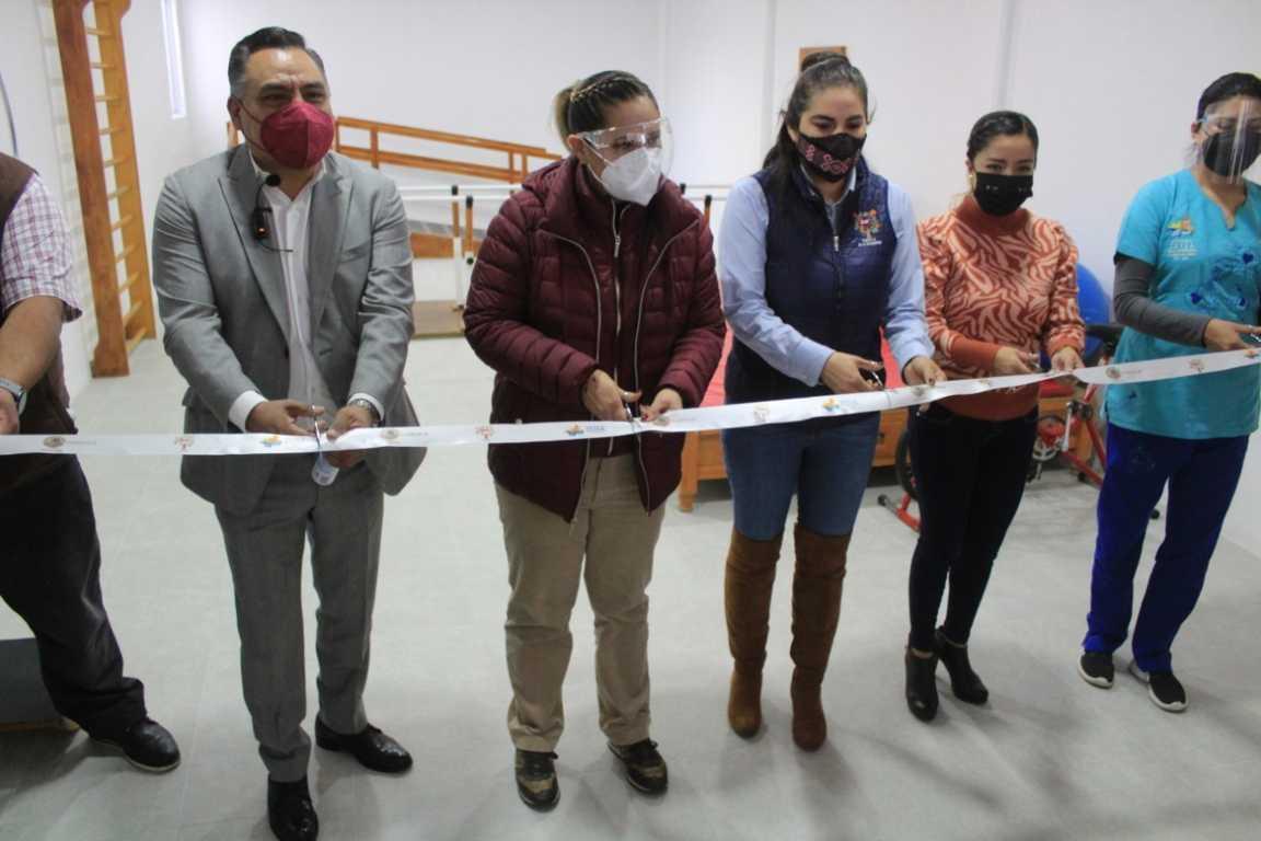 Eleazar Molina entrega ampliación de la UBR en Tetla