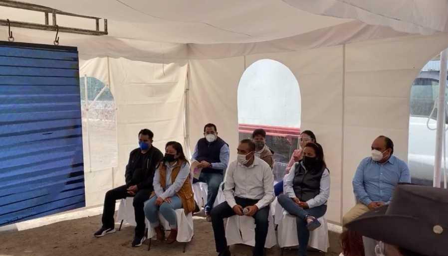 Inicia la remodelación de la Unidad Deportiva Tlahuicole en Ixtenco