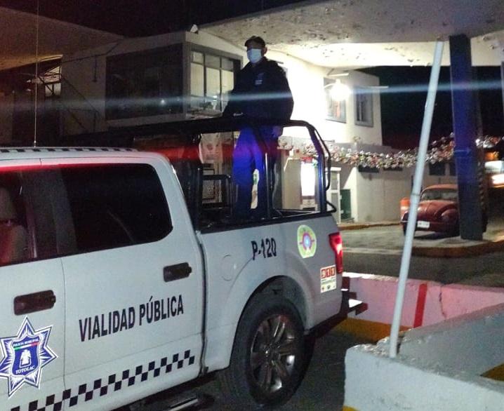Amagaban con cobrar piso en una gasolinera de en Totolac; policía intervino