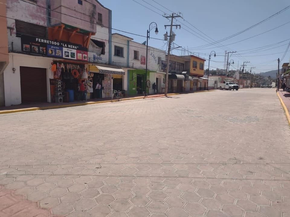 Inauguran obra en la avenida Juárez del municipio de Nanacamilpa
