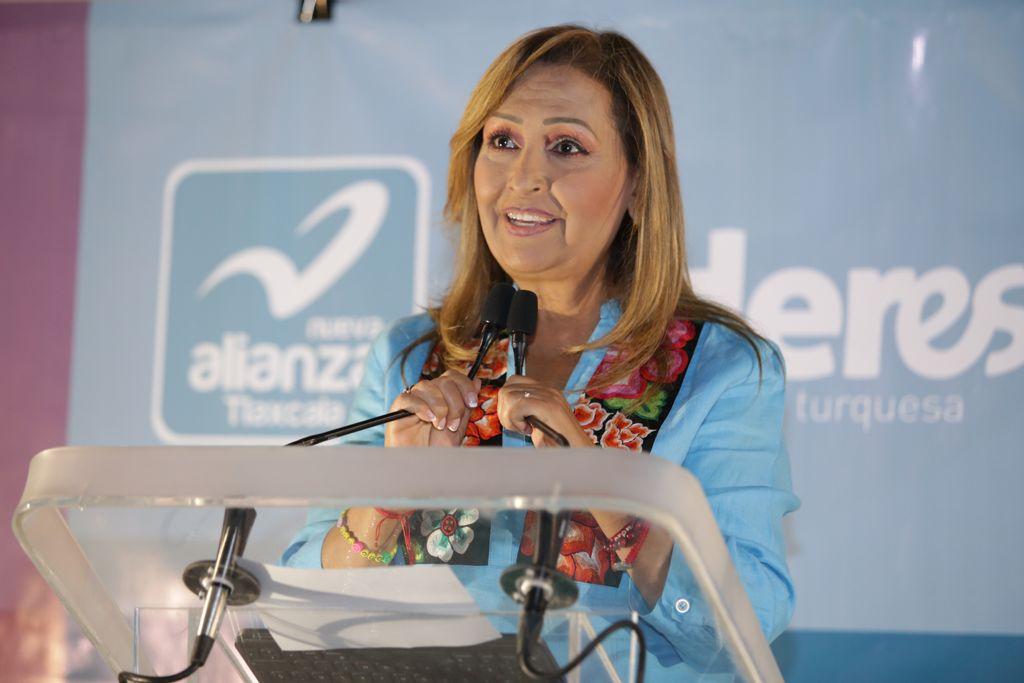Jóvenes entregan sus propuestas a Lorena Cuéllar y se suman a su campaña