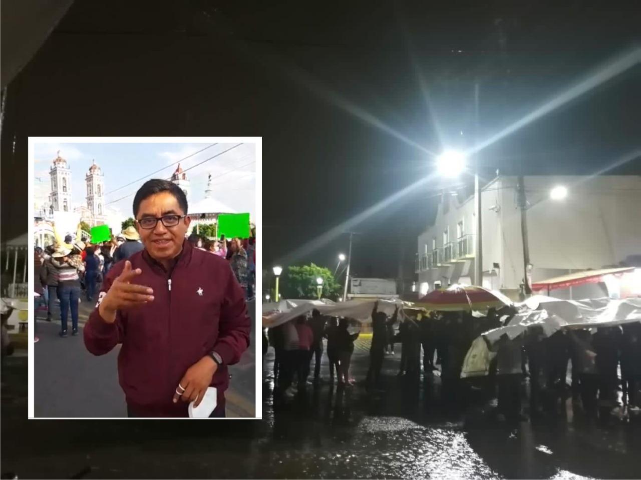 En Xicohtzinco Micaela Corte y su hijo ordenan el cierre de la carretera federal