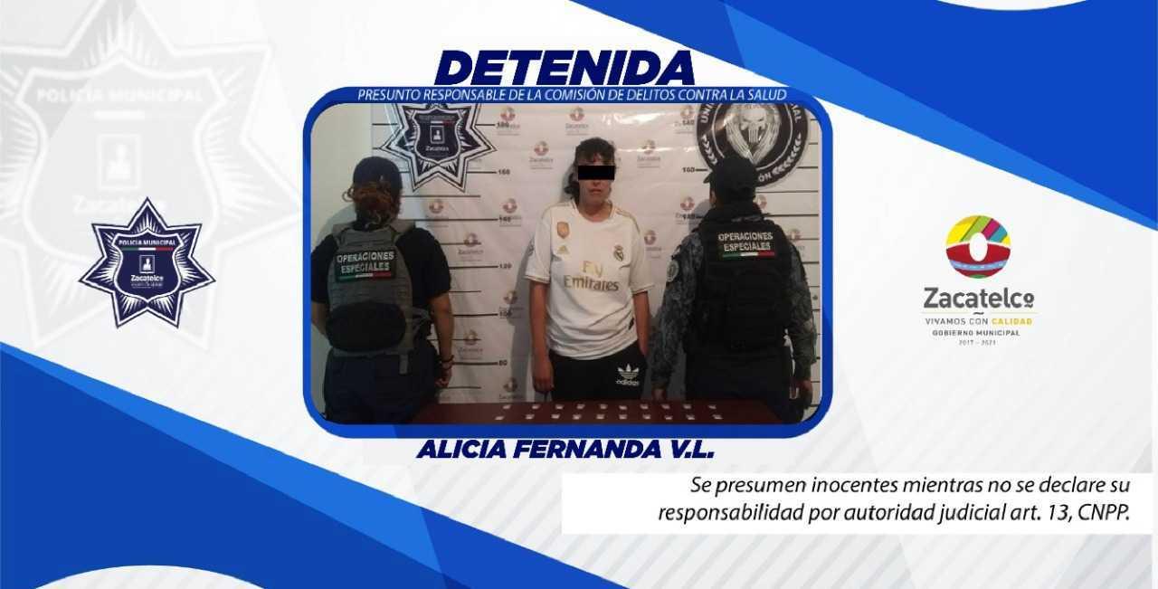 Policía de Zacatelco detiene a una mujer en posesión de droga